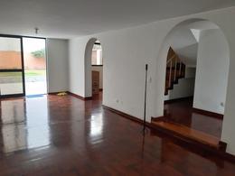 Foto Casa en Venta en  Santiago de Surco,  Lima  Calle Cristobal de Peralta