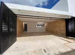 Foto Casa en Renta en  Fraccionamiento Floresta,  Mérida  Casa de 4 habitaciones , equipada  con porton en al norte de merida, floresta residencial