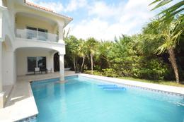 Foto Casa en Venta en  Puerto Morelos,  Puerto Morelos         Residencia con vista al mar en venta, Puerto Morelos