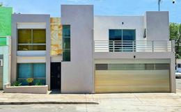 Foto Casa en Venta en  Villa Rica,  Boca del Río  COL. VILLA RICA, Casa en VENTA en ESQUINA con jardín y 3 recámaras