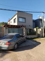 Foto Casa en Venta en  Villa Parque Sicardi,  La Plata  Villa Parque Sicardi calle 13 e/ 664 y 665