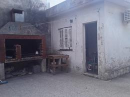 Foto Casa en Venta en  Lomas de Zamora Este,  Lomas De Zamora  LEVALLE 320