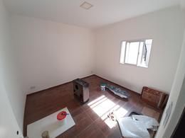 Foto Casa en Venta en  Moron Sur,  Moron  25 de Mayo al 800
