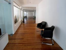 Foto Edificio Comercial en Venta en  Centro (Montevideo),  Montevideo  Uruguay al 900