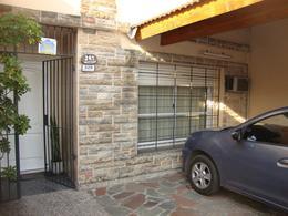 Foto PH en Venta en  Banfield Este,  Banfield  Excelente vivienda con local y cochera!!!!