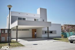 Foto Casa en Venta en  Av. Peron ,  Yerba Buena  Alto Verde 2 B2
