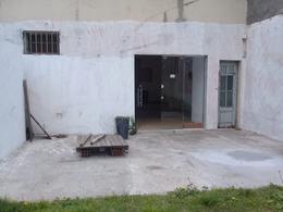 Foto Local en Alquiler en  La Plata ,  G.B.A. Zona Sur  8 entre 42 y 43