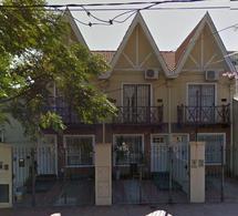 Foto Casa en Alquiler en  Lomas de Zamora Oeste,  Lomas De Zamora  Pereyra Lucena  875  Lomas de Zamora