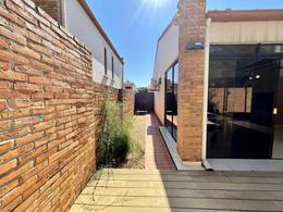 Foto Casa en Venta en  Luque ,  Central  Boulevard