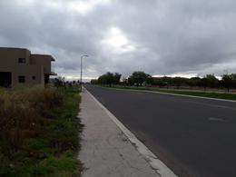 Foto Terreno en Venta en  Fraccionamiento El Campanario,  Querétaro  Excelente Terreno en Venta Sobre Av. Paseo de los Claustros Lote 29