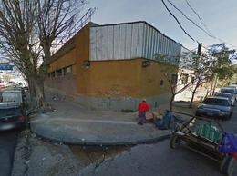 Foto Galpón en Venta   Alquiler en  Avellaneda,  Avellaneda  Intendente Beguiristain 58