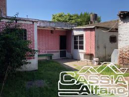 Foto Casa en Venta en  Remedios De Escalada,  Lanus  ELIAS VEDOYA 3556