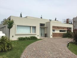 Foto Casa en Venta en  Guillermo E Hudson,  Berazategui  Las Golondrinas