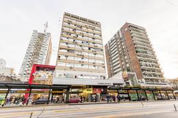 Foto Local en Alquiler | Venta en  Belgrano ,  Capital Federal  Av. Cabildo y Mendoza