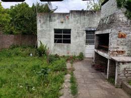 Foto Departamento en Venta en  Lujan,  Lujan     Departamento- tipo Casa, sobre calle Las Heras