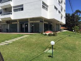 Foto Local en Alquiler | Alquiler temporario en  Roosevelt,  Punta del Este  ROOSEVELT Y BRASIL LOCAL