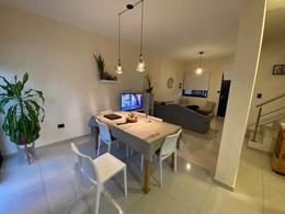 Foto Casa en Venta en  Miradores de Manantiales,  Cordoba Capital  OFERTONONON!!! EN MANANTIALES - DUPLEX DE CATEGORIA MIRADORES DE MANANTIALES II - ZONA SUR