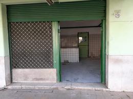 Foto Local en Alquiler en  Lanús Oeste,  Lanús  La Rioja al 2700