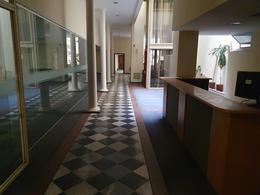 Foto Edificio Comercial en Alquiler en  Ciudad Vieja ,  Montevideo   25 DE MAYO ESQ ITUZAINGO