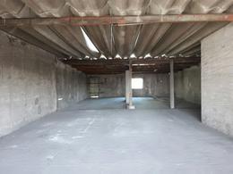 Foto Edificio Comercial en Venta en  Temperley Este,  Temperley  Indalecio Gomez 670