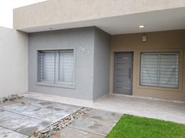 Foto Casa en Venta en  Castelar,  Moron  Salcedo al 3400
