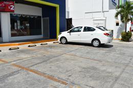 Foto Local en Renta en  Alfredo V Bonfil,  Cancún  LOCAL COMERCIAL EN RENTA AV HUAYACAN CANCUN C2864