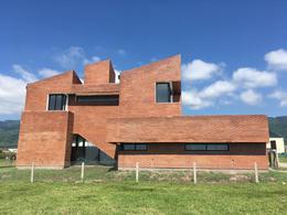 Foto Casa en Venta en  Yerba Buena ,  Tucumán  Country Vilanova