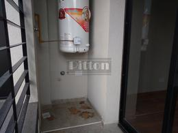Foto Departamento en Venta en  Remedios De Escalada,  Lanus  Deheza 3951 PB 1