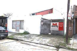 Foto Local en Venta en  Mart.-Santa Fe/Fleming,  Martinez  CUYO al 1100
