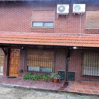 Foto Casa en Venta en  Castelar,  Moron  Lobos al 1700