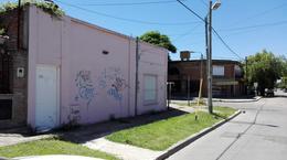 Foto Local en Venta | Alquiler en  Monte Grande,  Esteban Echeverria  Alsina 995/999