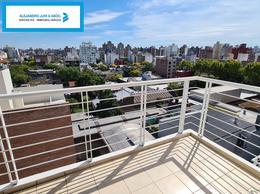 Foto Departamento en Alquiler en  Abasto,  Rosario  Alem 1982 - Departamento 2 Dormitorios Zona Abasto