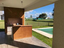 Foto Casa en Alquiler | Venta en  Terralagos,  Countries/B.Cerrado (Ezeiza)  Venta/Alquiler Anual - Casa en Terralagos