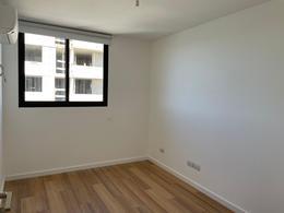 Foto Apartamento en Venta en  Carrasco Este ,  Canelones  De revista sobre lago, 2 dorm