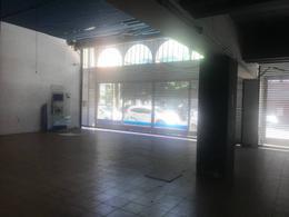 Foto Local en Alquiler en  Quilmes,  Quilmes  Lavalle  788