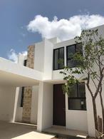 Foto Casa en Venta en  Mérida ,  Yucatán  BELLA CASA BIEN UBICADA EN PRIVADA RESIDENCIAL