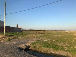 Foto Terreno en Venta en  City Bell,  La Plata  Lote en City Bell - 474 bis y 3