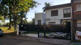 Foto Casa en Venta en  Adrogue,  Almirante Brown   JUNCAL 980, entre Grl Paz y Rosales