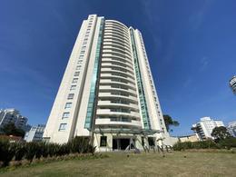 Foto Departamento en Venta   Alquiler   Alquiler temporario en  Playa Brava,  Punta del Este  Torre Wind Tower - Parada  7
