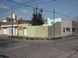 Foto Casa en Venta en  Valentin Alsina,  Lanus  ALFREDO PALACIOS 2100