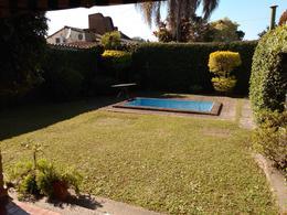 Foto Casa en Venta en  Yerba Buena ,  Tucumán  Casa esq. ideal para emprendimiento comercial  en venta Paraná al 100