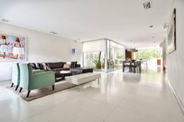 Foto Casa en Venta en  Belgrano ,  Capital Federal  Miñones  * 2300 .  Casa . Sup. total 396m2.  Por m2. usd 2575
