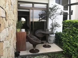 Foto Departamento en Venta en  Uruca,  Santa Ana  Apartamento en venta en Santa Ana con Jardín Oportunidad