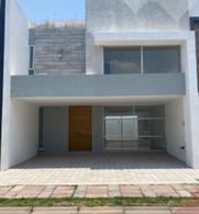 Foto Casa en Venta en  Arboledas de San Antonio,  San Pedro Cholula  Casa en Venta en  Perfecta Ubicación Blvd. Forjadores