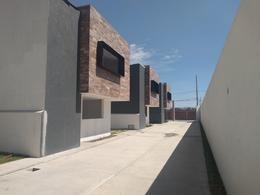 Foto Casa en condominio en Venta en  Santa María Totoltepec,  Toluca  VENTA DE CASA NUEVA RESIDENCIAL LAS ROSAS SANTA MARIA TOLTEPEC TOLUCA
