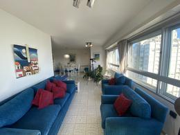 Foto Apartamento en Venta en  Península,  Punta del Este  Van Gogh