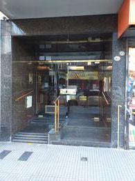 Foto Departamento en Venta en  Almagro ,  Capital Federal  Avenida Rivadavia al 3900