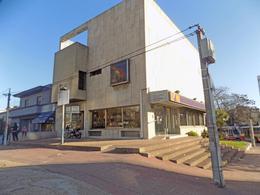 Foto thumbnail Local en Venta | Alquiler en  La Blanqueada ,  Montevideo  8 DE OCTUBRE Y LUIS A. DE HERRERA
