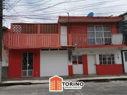 Foto Casa en Venta en  Coatepec Centro,  Coatepec  CASA CON ALBERCA EN COATEPEC VER. CON DEPARTAMENTOS, IDEAL PARA INVERSIONISTAS