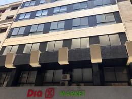 Foto Oficina en Alquiler en  Centro (Capital Federal) ,  Capital Federal  Av. Rivadavia  al 900